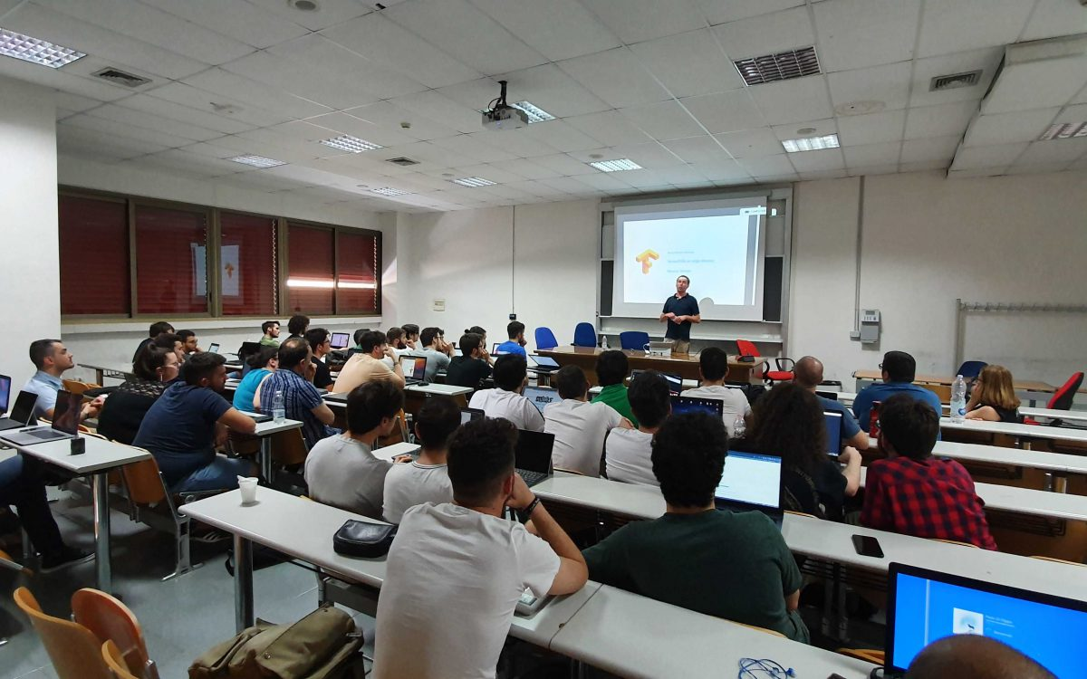 """Workshop su """"Machine learning in the browser"""" di Marcus Winter"""